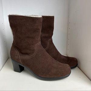 Clarks Bendables Boots Size 9 W Suede Faux Fur